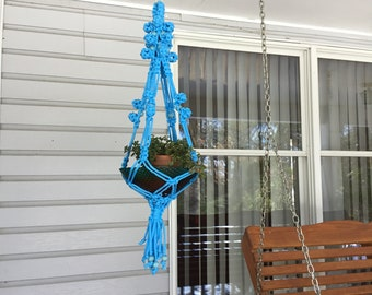 Blue Macrame Plant Hanger,  6 mm Polyolefin cord with blue wooden beads, short plant hanger, unique plant holder, colorful boho style