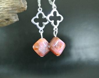 Agate earrings pinkish purplish-brown, on steel metal quatrefoil connector diamond-shaped