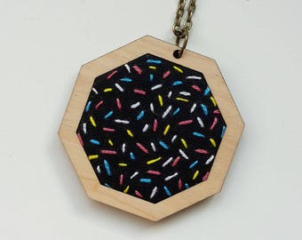"embroidery necklace ""sprinkles"""
