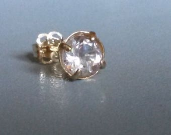 Natural Glacier Topaz single stud earring in 9k yellow gold