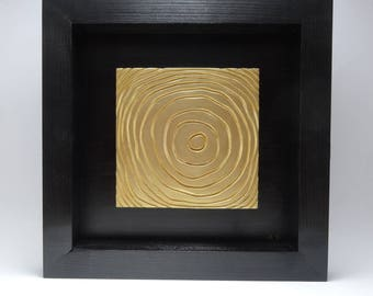 Table bas relief plaster lines of life gold and black