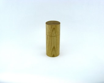 Spices and pepper mill in Ash, Cylinder style with rod mechanisme / 5 1/2  in article no: 436