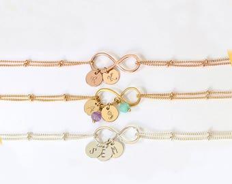 Mothers bracelet, Personalized Infinity bracelet for mom Family bracelet Silver Initial charm bracelet Family tree jewelry Gift for mom