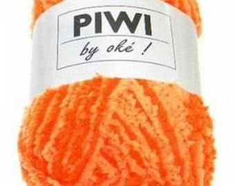 PIWI 602 by oke Orange chenille yarn