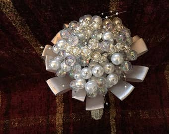 Wire and pearl bouquet
