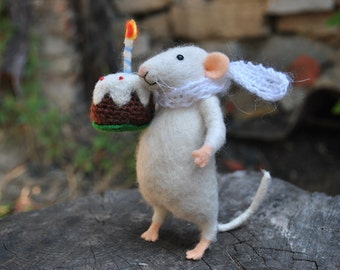 Cute needle felt mouse felted animal Plush miniature Wool mouse Art doll Gift for her Soft sculpture
