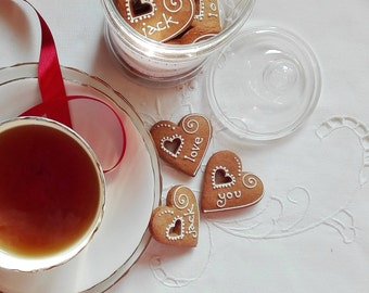 Personalised Heart  Gingerbread Cookie/ Biscuit Jar and Tea Gift Set