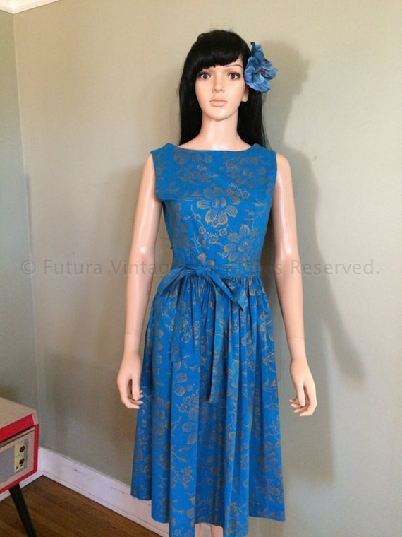 1950s CAROL BRENT Lovely Blue Hawaiian Style Wrap Dress with Gold Floral Pattern Hidden Side Pocket-S M