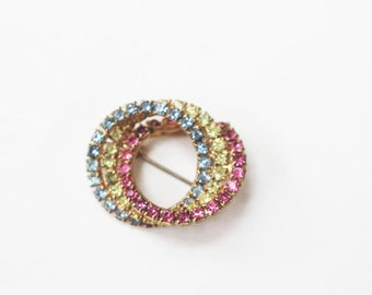 Vintage Triple Circle Pin in pink, green and blue, Vintage Pin, vintage brooch
