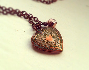Antique Copper Locket Necklace, Heart locket pendant, Czech glass bead, Antique copper cable chain