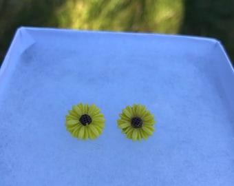 Sunflower Earrings (13mm)