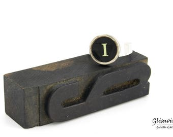 Ring with initial-typewriter Smith and Corona key-letter I (art. 2)