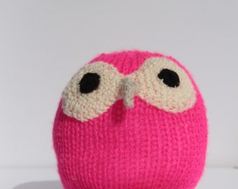 knitted bright pink owl
