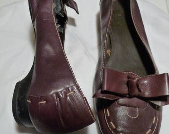Ladies Preloved leather shoes - size 7 Uk / 41 Euro - worn twice- Burgundy - topstitched with Bow