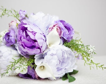 Tear drop silk flower bouquet