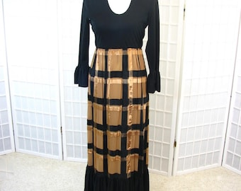 1960/70s Black & Butterscotch Knit Long Dress    size 10 / Medium