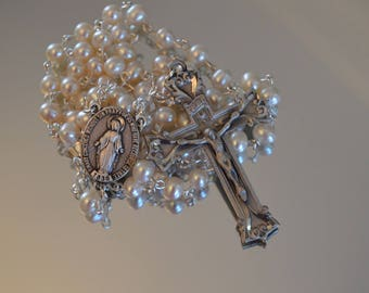 Pearl Miraculous Medal Rosary, Rosary, Rosaries, Miraculous Medal, Wedding Rosary, Handmade