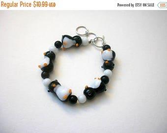 ON SALE Retro Artisan Lamp Work Little Penguins Glass Bracelet 62816