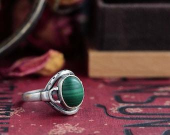 Amazing Sterlilng silver large natural Malachite ring
