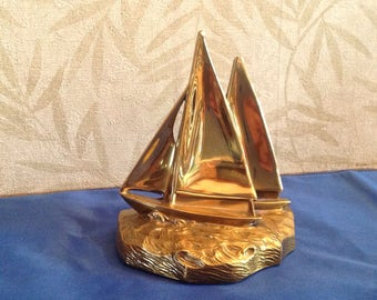 Midcentury brass sailboat bookend, Vintage brass boat bookend, nautical bookend, nautical decor, brass sailboat paperweight, naval decor