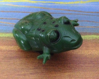 Vintage wind up frog made by Marx in USA