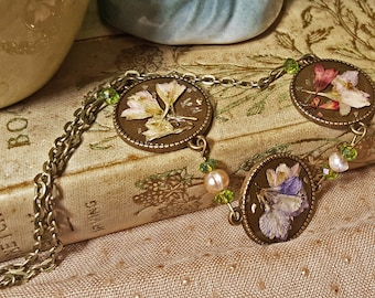Spring Flowers Triptych Necklace in Bronze