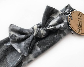 Black and White Floral Baby Knot Headband // Gray Grey Charcoal White // Fall // Infant Headband // Newborn Headband // Knotted Headband //