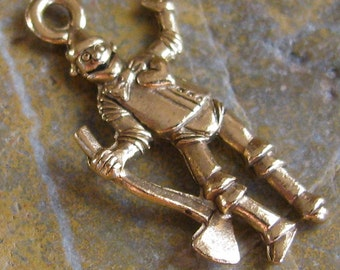 Tin Man Wizard of Oz Charms in Antique Gold - 6 Pcs - 994