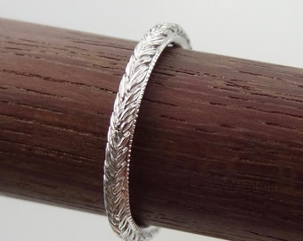 Thin Antique Carved Leafs Wedding Band with Milgrain 2 mm wide 18k Solid White Gold Vintage / Antique Style