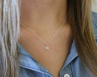 Tiny Daisy Necklace - Sterling Silver Small Daisy Necklace - Flower Necklace - Floral Jewelry -Garden Wedding -Flower Girl Gift -Bridesmaids