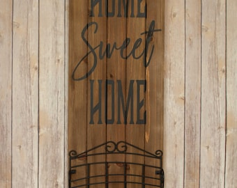 """Pallet Wood hand painted sign """"Home Sweet Home""""."""