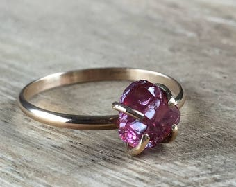 Garnet Dark Pink Red Raw Nugget on Gold Fill Band - Size 7