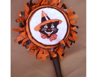 Halloween decoration noisemaker rattle vintage style holiday home decor black cat old fashioned retro trick or treat
