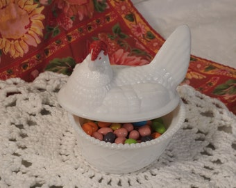 White Hen With Red Comb Bowl And Lid/ Milk Glass Hen And Nest Trinket Dish/ White Hen Candy Dish With Lid
