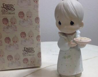 Vintage Precious Moments Sweetest Christmas figurine