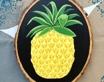 Hand Painted Pineapple Wood Round Sign