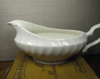 Swirled Ribbed Gravy Boat - Off White