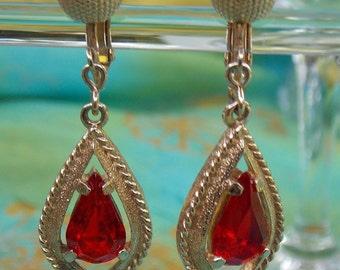 Red Tear Drop Sarah Coventry Crystal Drop Dangle Goldtone Earrings