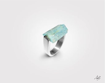 Silver ring with Acquamarine, 925 Silver, Handmade, Modern Design, sophisticated style, natural stones