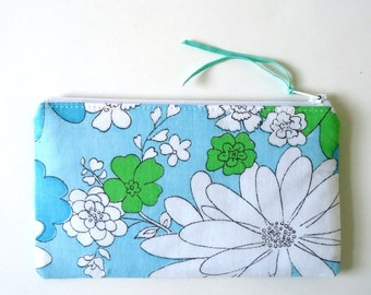 Floral Zipper Pouch, Choose your size, Vintage floral Boho Coin purse Pencil pouch for Spring Summer Mother's day, Graduation, Teacher gift