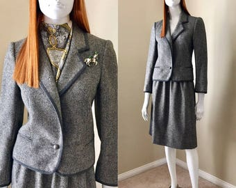 LOUIS FERAUD Paris Grey Skirt Suit, 90's Vintage Designer Suit, Gray Tweed Blazer with Skirt, Winter 2-piece Wool Suit with Piping- size 36