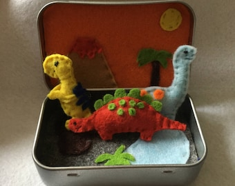 Dinosaur tin travel toy