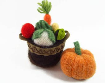 miniature vegetables, wool felt vegetables, dollhouse veggies, gardening gift, waldorf toy, stuffed toy, miniature toy,