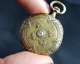 Collar in yellow gold 18KT and diamond - nineteenth century Watch / / / Pocket watch in 18KT gold with diamond - 19th century