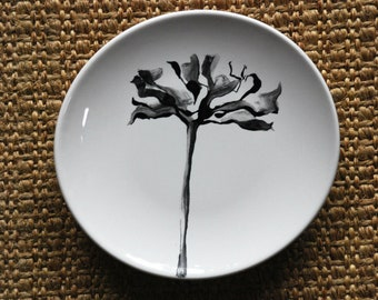 Hand painted decorative flower tulip black and white porcelain plate. Modern art flower painting on round plate