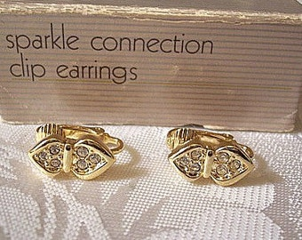 Avon Crystal Points Clip On Earrings Gold Tone Vintage 1987 Sparkle Connection Clear Round Stones Rimmed Edge