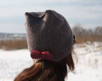 Hat with bow and ears
