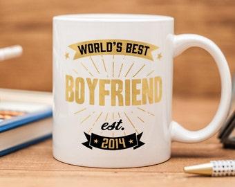 "Mug for boyfriend, with quote ""World's best boyfriend"" and a custom date"