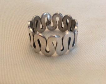 Mens silver swirl ring