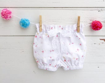 Baby Girl Floral Bloomers, White Baby Bloomers, Baby Shorts, Cotton Baby Shorts, Shorties, Baby Girl Shorts, Diaper Cover, Baby Girl Clothes